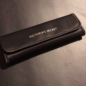 NEW: Victoria's Secret Brush Set